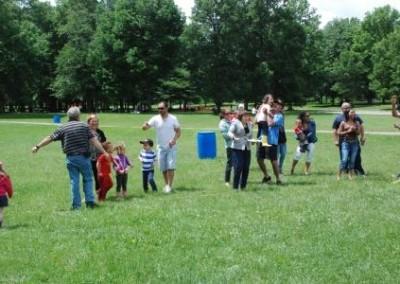 2014-family-picnic (25)